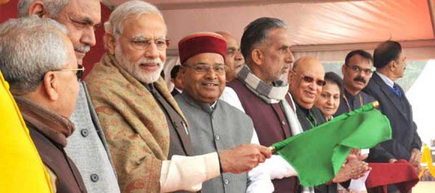 Modi flags off superfast train connecting Varanasi and Delhi