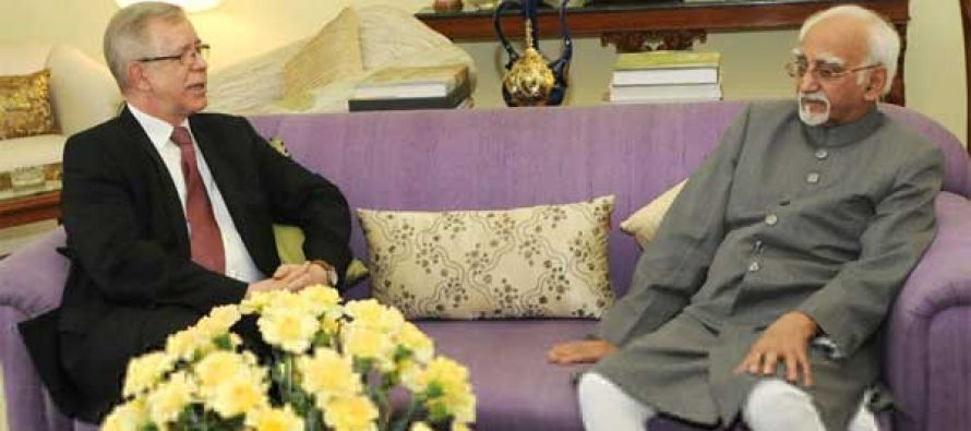 Ambassador of the European Union to India, Tomasz Kozlowski calling on the Vice President, M. Hamid Ansari, in New Delhi