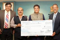CMD, Neyveli Lignite Corporation Ltd. (NLC), Sarat Kumar Acharya presenting a dividend cheque of Rs.226.49 crore to the MoS (IC) for Power, Coal and New and Renewable Energy, Piyush Goyal