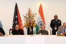 President of India, Pranab Mukherjee and the Prime Minister of Papua New Guinea, Peter O'Neill witnessing the signing of an MoU