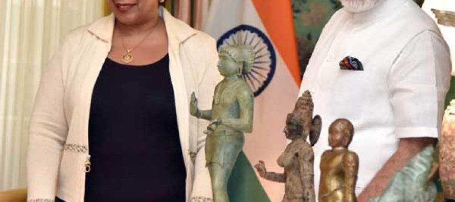 US returns ancient artefacts, Modi expresses thanks