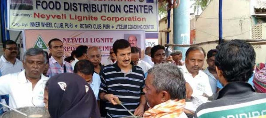 NLC distributes Food and Water to Piligrims of Rath Yathra of Puri