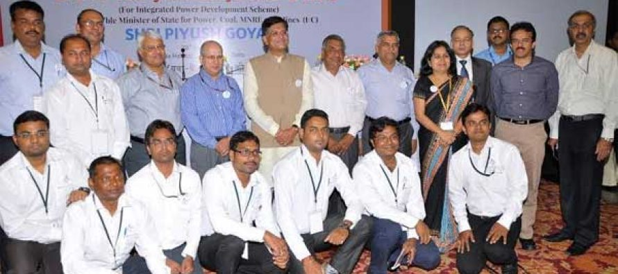 Piyush Goyal, MoS (I/C) for Power, Coal, New & Renewable Energy and Mines along with the newly recruited Urban Vidyut Abhiyantas