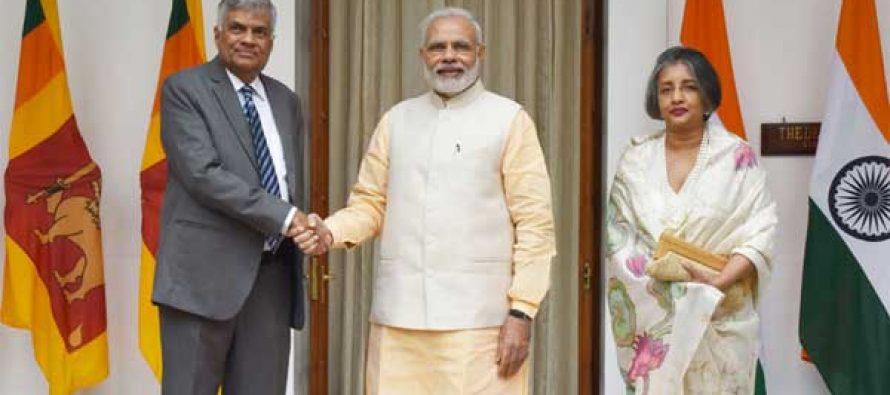 Modi meets Sri Lankan PM