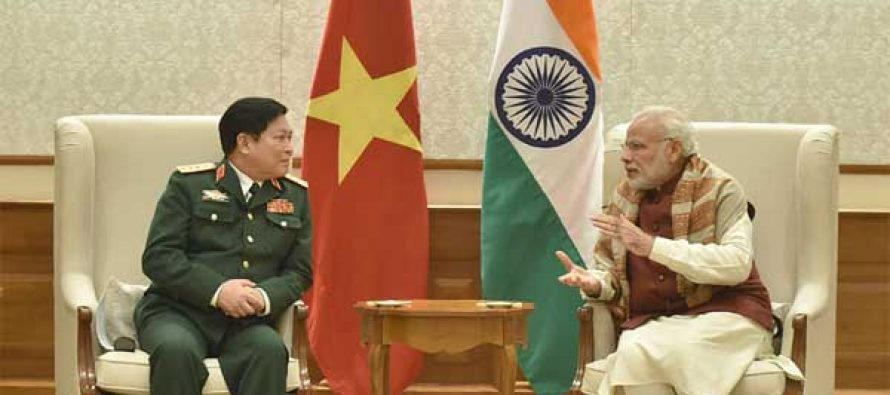 The Defence Minister of Vietnam, General Ngo Xuan Lich calls on the Prime Minister, Narendra Modi, in New Delhi