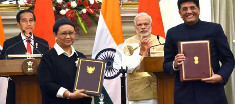 Prime Minister, Narendra Modi and the President of Indonesia, Joko Widodo witnessing the exchange of agreements
