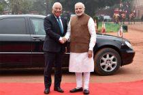 Prime Minister, Narendra Modi welcomes the Prime Mnister of Portuguese Republic, Antonio Costa at the ceremonial reception