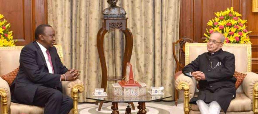 President of Kenya, Uhuru Kenyatta meeting the President, Pranab Mukherjee, at Rashtrapati Bhawan