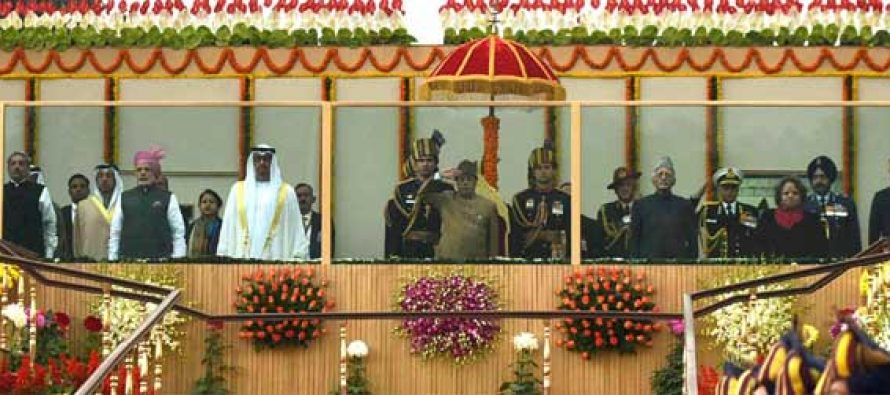 President, Pranab Mukherjee, the Vice President, M. Hamid Ansari and the PM, Narendra Modi with the Chief Guest of the Republic Day, The Crown Prince of Abu Dhabi, Deputy Supreme Commander of U.A.E. Armed Forces, General Sheikh Mohammed Bin Zayed Al Nahyan, at Rajpath