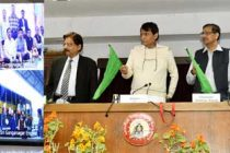 Railway Minister Suresh Prabhu flags off first Antyodaya Express between Ernakulam, Howrah