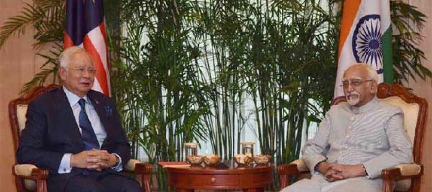 The Prime Minister of Malaysia, Dato' Sri Mohd Najib Bin Tun Abdul Razak calling on the Vice President, M. Hamid Ansari