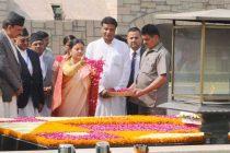 President of Nepal, Bidya Devi Bhandari paying floral tributes at the Samadhi of Mahatma Gandhi, at Rajghat,