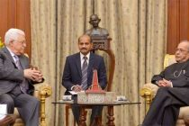President of the State of Palestine, Mahmoud Abbas meeting the President, Pranab Mukherjee, at Rashtrapati Bhavan