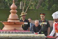 President, Pranab Mukherjee paying floral tributes at the Samadhi of the former Prime Minister, late Shri Rajiv Gandhi