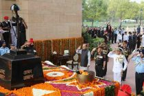 Jaitley, defence chiefs pay tributes to martyrs on Kargil Vijay Diwas