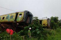 Landslide caused Nagpur-Mumbai Duronto derailment: Railways
