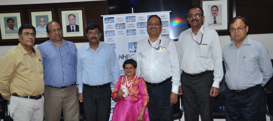एनएचपीसी ने 7वें वर्ल्ड ड्वार्फ गेम्स 2017 में सुश्री अरुणाचलम नलिनी को उनके उत्कृष्ट प्रदर्शन के लिए सम्मानित किया