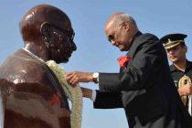 India After Gandhi: MAHATMA'S IDEALS FORGOTTEN?…