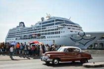 New US cruise ship docks in Cuba