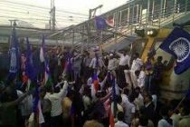 Sporadic violence mars Maharashtra shutdown