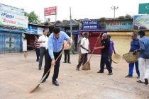 "Rakesh Kumar,CMD,NLCIL (Addl.charge)kicks  off a  Special "" Cleanliness Drive""  at Neyveli Township"