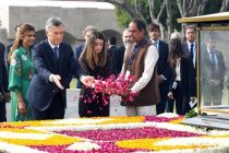 President of the Argentine Republic, Mauricio Macri paying floral tributes at the Samadhi of Mahatma Gandhi