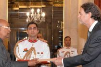The Ambassador-designate of Germany, Walter Johannes Lindner presenting his credentials to the President, Ram Nath Kovind