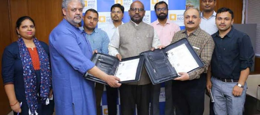 """REC to empower the elderly by """"Providing Digital Literacy"""" in Delhi/NCR with Agewell Foundation"""