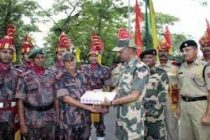 Indian, B'desh border guards exchange greetings on Eid
