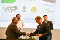 The Vice President, M. Venkaiah Naidu witnessing the exchange of MoUs, at the India-Estonia Business Forum meeting