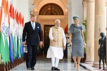 The Prime Minister, Shri Narendra Modi with His Majesty King Willem-Alexander and Her Majesty Queen Maxima of the Kingdom of Netherlands