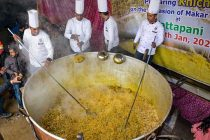 Guinness World Record for 1,995 kg 'khichdi' cooked in Himachal