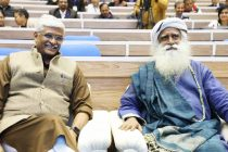 Gajendra Singh Shekhawat and Sadhguru advocate people's participation in Jal Shakti Abhiyan