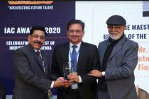 "P.K. SINGH, DIRECTOR (COMMERCIAL), PFC RECEIVES ""CHANGE MAESTRO AND INSTITUTION BUILDER OF THE YEAR"" AWARD"