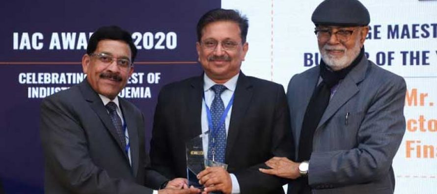 """P.K. SINGH, DIRECTOR (COMMERCIAL), PFC RECEIVES """"CHANGE MAESTRO AND INSTITUTION BUILDER OF THE YEAR"""" AWARD"""
