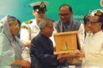 'A true friend': B'desh Prez, PM condole Pranab Mukherjee's demise