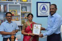 NLCIL School Headmistress wins Best Teacher Award