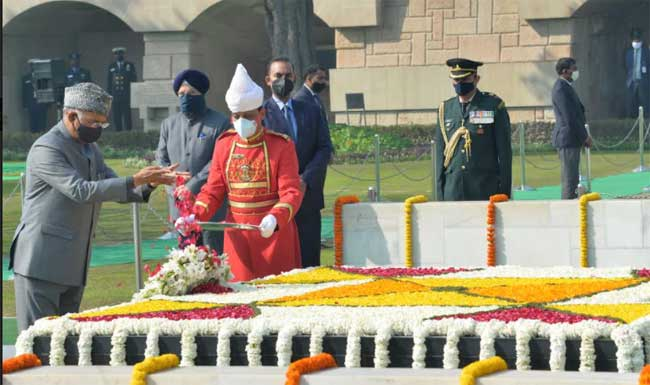 The President of India, Shri Ram Nath Kovind paying tributes  to Mahtama Gandhi and attending the Sarva-Dharma-Prarthana being organized on the occasion of 73rd Death Anniversary of Mahatma Gandhi at Rajghat. 30-1-21