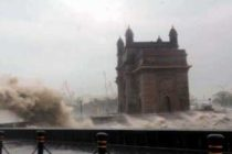 Cyclone kills 6 in Maharashtra, airport shut, Navy on rescue to Bombay High