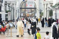 Kuwait starts to prevent unvaccinated from entering shopping malls to contain Covid-19