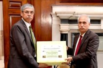 The Prime Minister of Bangladesh gifted 1000 kgs of mangoes to the President of India