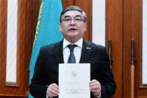 H.E. Mr. Nurlan Zhalgasbayev Ambassador of the Republic of Kazakhstan presenting credentials to President of India
