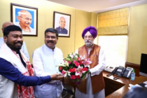 Hardeep Singh Puri takes charge of Petroleum Ministry