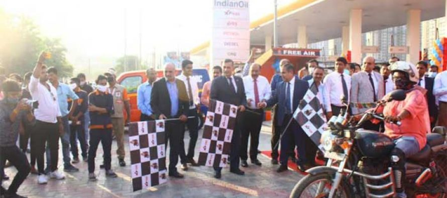 Chairman Indian Oil Flags off the high octane bike rally